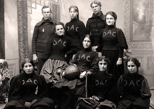 Oregon State's First Women's Basketball Team